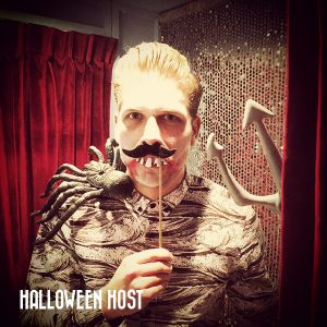 host-halloween-jolly-photobooth
